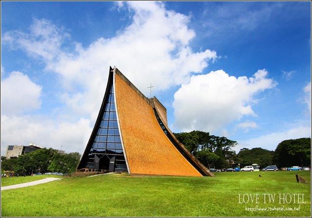 【台中景點】東海路思義教堂 @ 百去不膩的婚紗拍攝場景之一